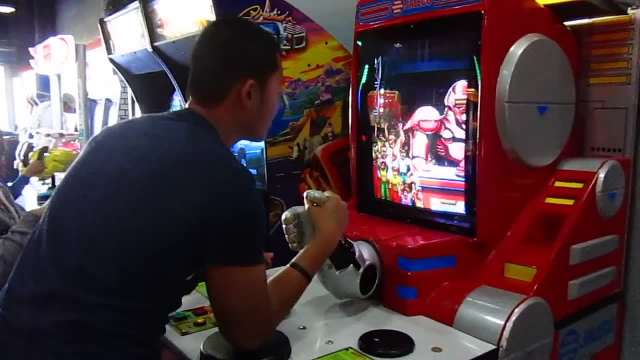 Arm Wrestling Robot game in Norway