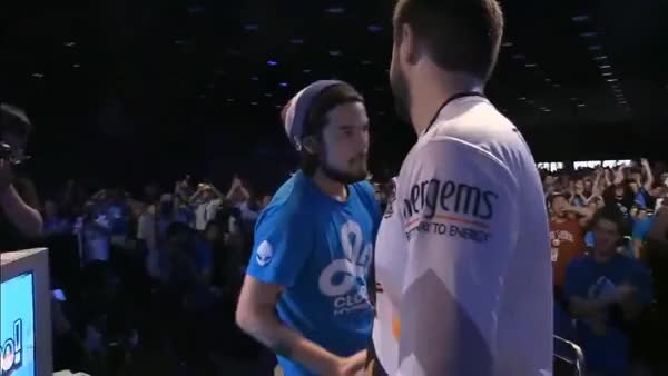 Mangos ninja reflexes