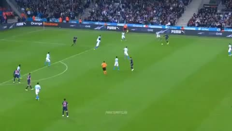 Watch and share Mbappe Pass 18-19 GIFs by FIFPRO Stats on Gfycat