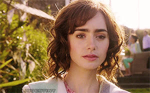lily collins, Image GIFs