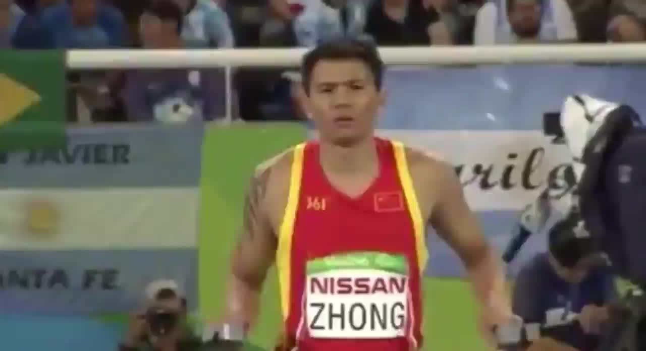 Incredible one-legged high jumper GIFs