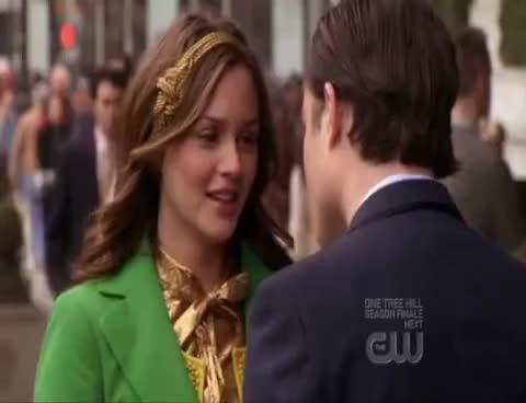 Watch this kiss GIF on Gfycat. Discover more blair and chuck, kiss GIFs on Gfycat