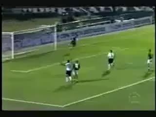 Watch and share Cicinho Faz Um Golaço No Palmeiras Libertadores Da América 2005   Oitavas De Final GIFs on Gfycat