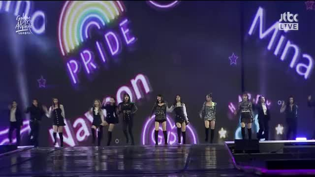 Watch and share Bdz GIFs by Cookie192x on Gfycat