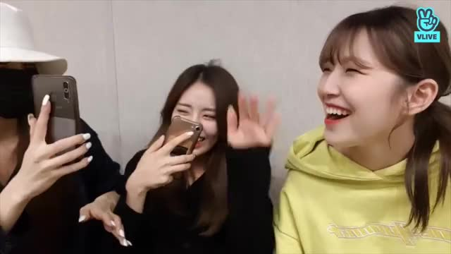 Watch and share Chaeyoung GIFs and Fromis GIFs by CyF9 on Gfycat