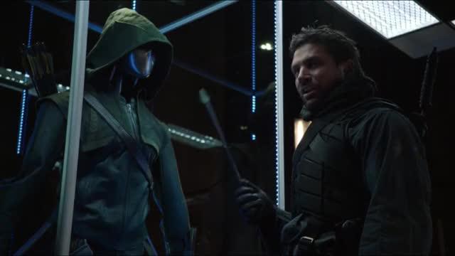 Slade snaps Arrow
