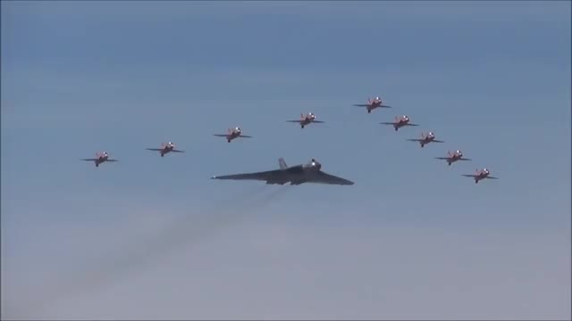Watch and share Avro Vulcan XH558 And Red Arrows GIFs by dxpkuk on Gfycat