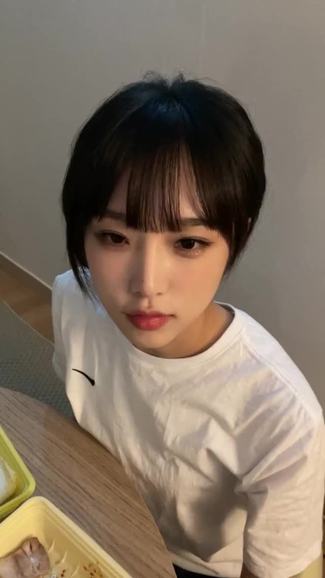 Watch and share 210813 최예나 (yena.jigumina) Instagram Live.H264.AAC.720p-슨스 - 1 GIFs by zzz on Gfycat