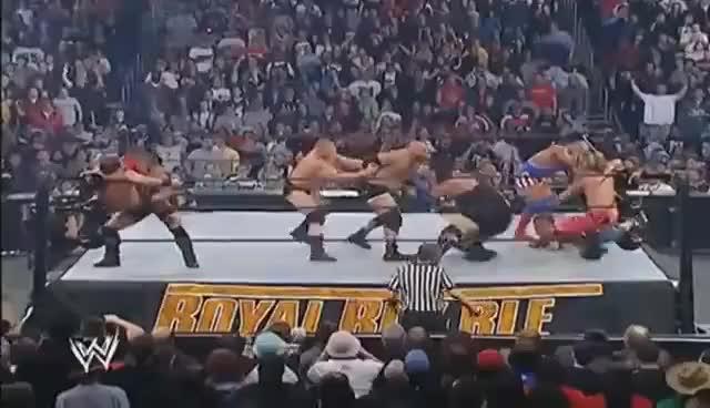 Brock Lesnar le hace F5 a Gold Bill Goldberg