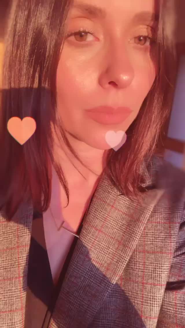jenniferlovehewitt 2018-12-19 08:34:14.012 GIFs