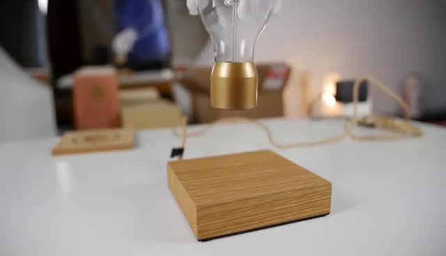 FLYTE - Levitating Light Bulb - Kickstarter - unboxing & demo GIFs