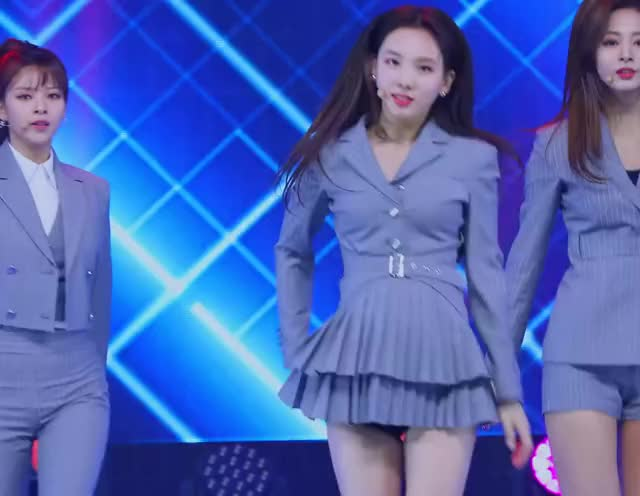 Watch and share 190502 Mcountdown GIFs and Nayeon GIFs by Blueones on Gfycat