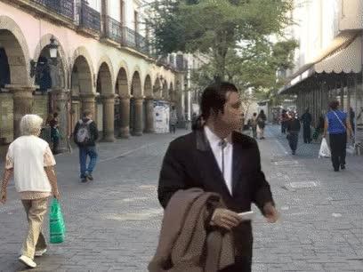 Watch and share Travolta De Pulp Fiction Sigue Perdido GIFs on Gfycat