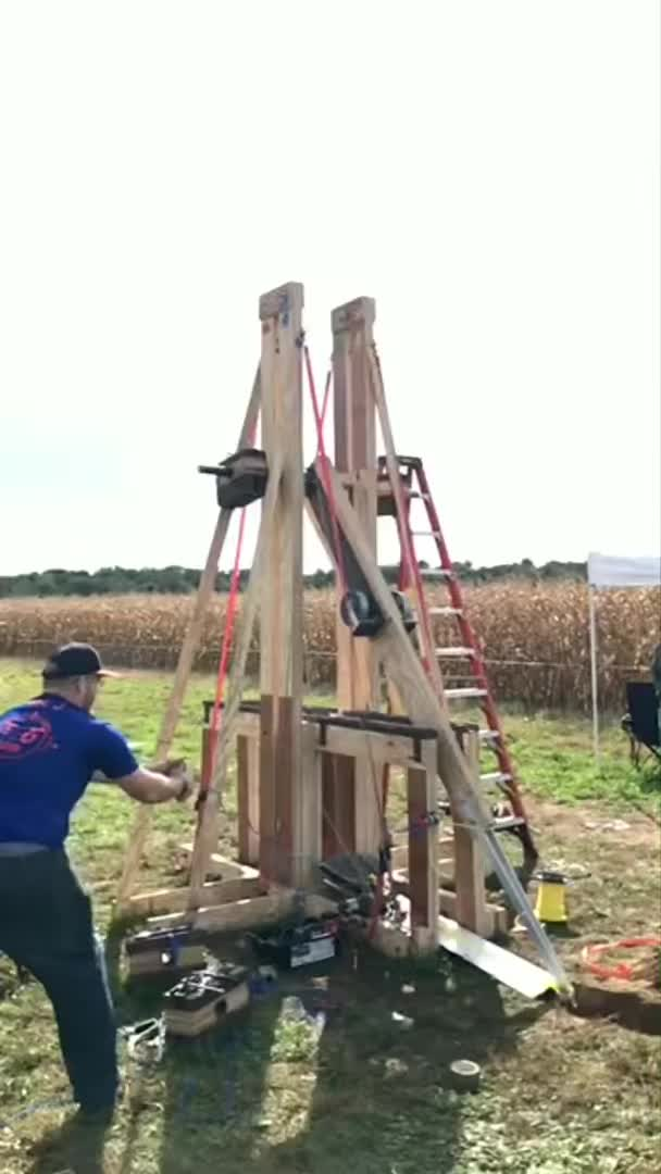 Watch and share Floating Arm Trebuchet GIFs by ebanit on Gfycat