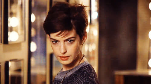 anne hathaway, pose, anne-hathaway-pictures GIFs