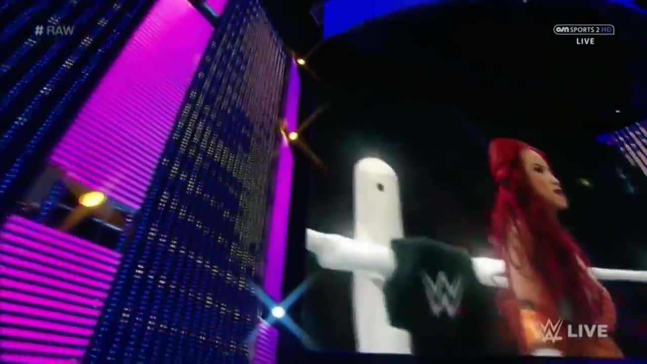 divas, sasha banks, wwe, Sasha Banks WWE Entrance GIFs