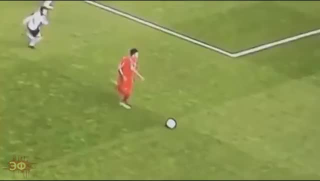 Watch and share Roberto Firmino Vs Daley Blind And Juan Mata GIFs by Эстетика Футбола on Gfycat