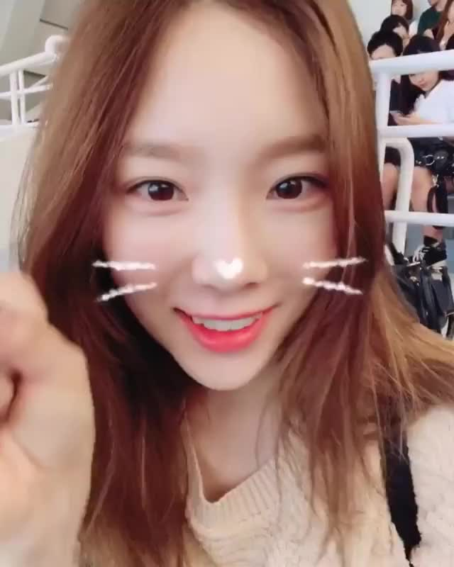 Watch and share Taeyeon GIFs and Snsd GIFs by jvsss on Gfycat