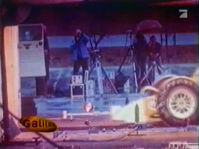 f1, formula, one, Old F1 car crash test (Brabham BT50, 1982) GIFs