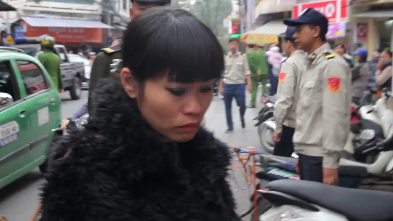 Sau Sài Gòn, tới Hà Nội xử lý mạnh tay các hộ kinh doanh lấn chiếm vỉa hè ảnh 15