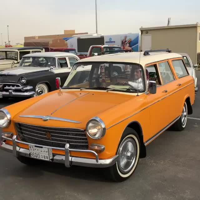 Peugeot 404 - 1974, Peugeot 404 - 1974 , Peugeot 404 - 1974 GIFs