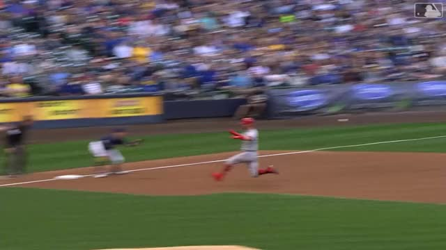 Watch and share Milwaukee Brewers GIFs and Cincinnati Reds GIFs by yyhislit on Gfycat