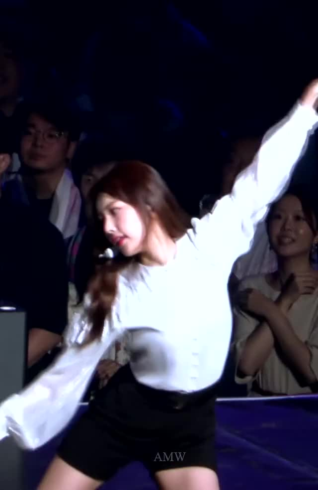 Watch and share Hyewon GIFs and Izone GIFs by Chuy711 on Gfycat
