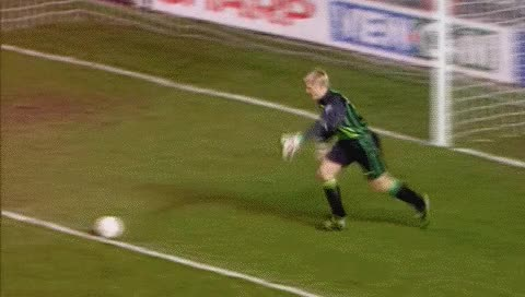 Watch and share Ole Gunnar Solskjaer. MU - Blackburn. 30.11.1997 GIFs by fatalali on Gfycat