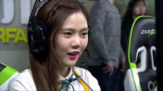 Watch and share Gaming GIFs by wi-arae on Gfycat