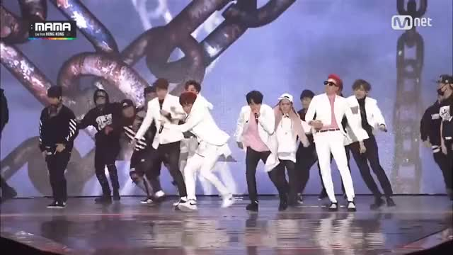 2015 MAMA [Boys In Battle] BTS vs BlockB (2014 MAMA) 151127 EP 5 GIF