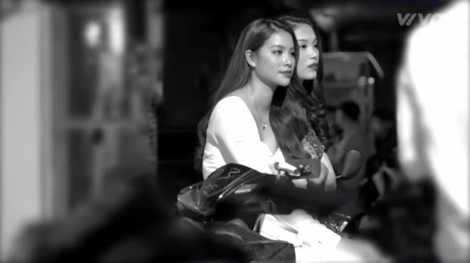 Chỉ xuất hiện vài phút trong trailer, cô gái này khiến cư dân mạng sửng sốt vì quá giống Phạm Hương