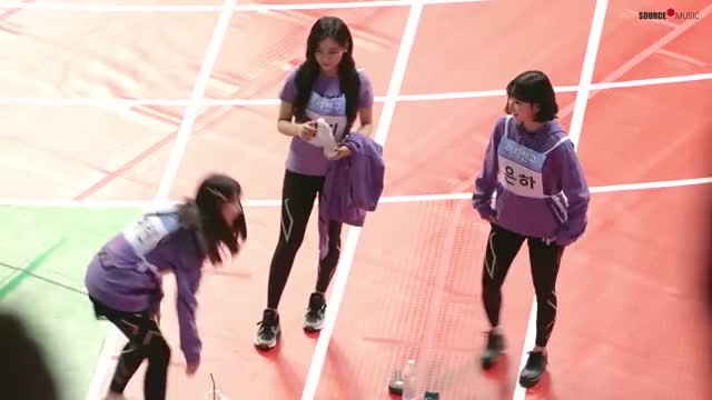 Watch gfriend athletic GIF by @myblindy on Gfycat. Discover more related GIFs on Gfycat