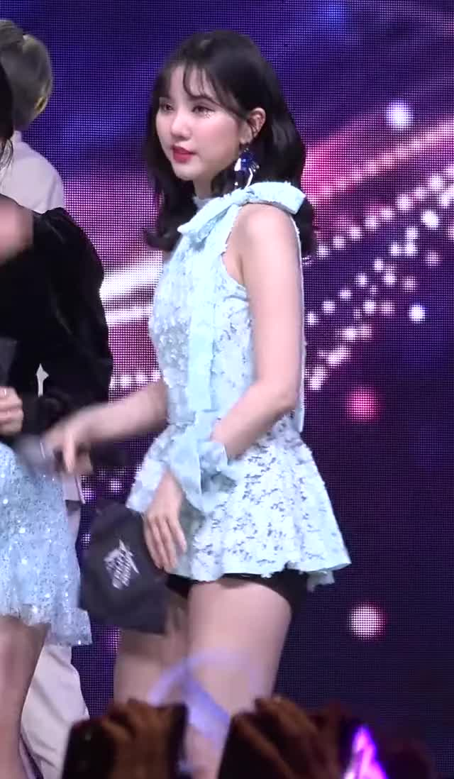 Watch and share Gfriend - Eunha GIFs by hayoungposts on Gfycat