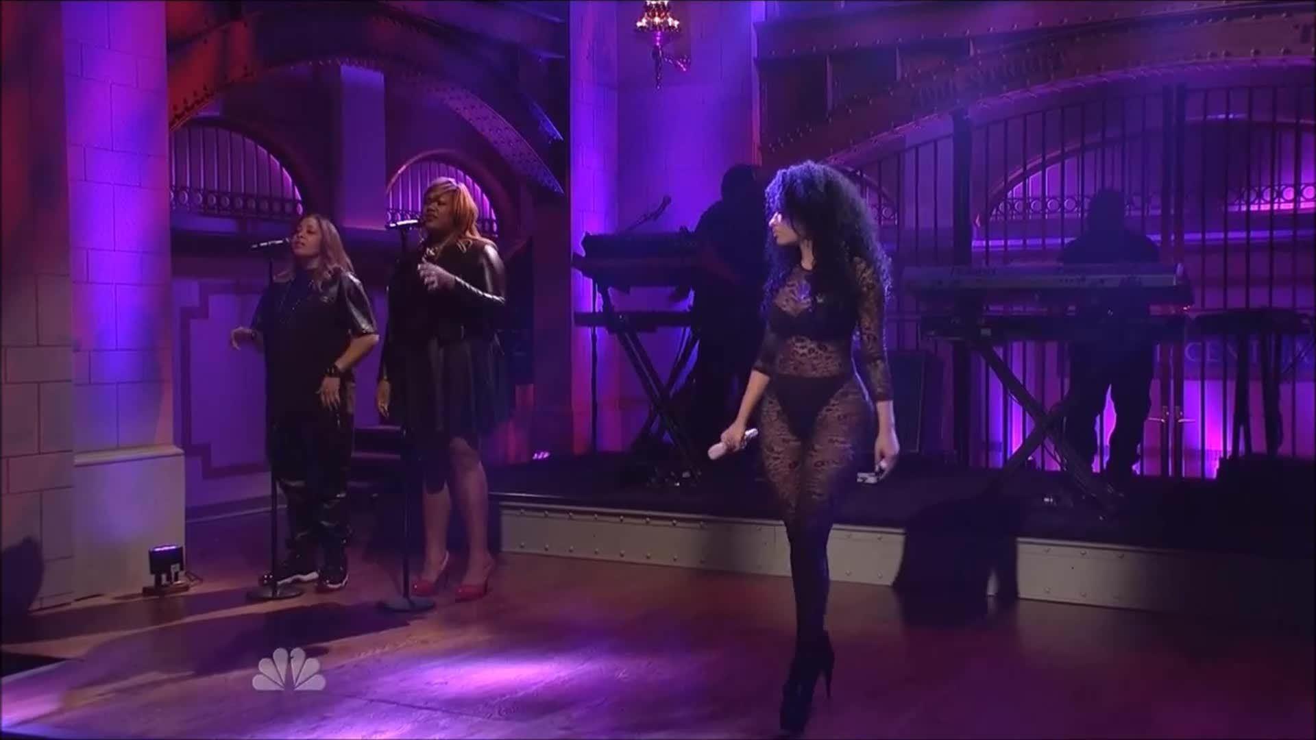 Nicki_Minaj, onstagegw, Nicki Minaj performing (68 videos in comments) (reddit) GIFs
