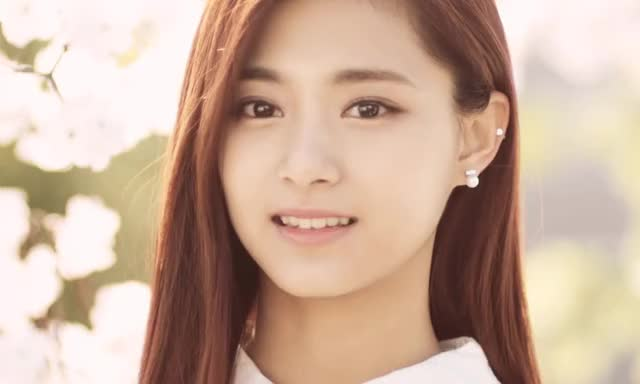 Watch and share Twice GIFs and Tzuyu GIFs by twgif on Gfycat