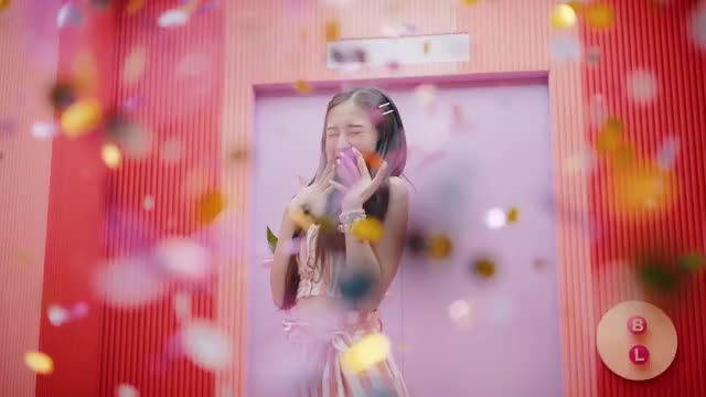 Watch and share Fall In Love GIFs and Oh My Girl GIFs by uyu on Gfycat