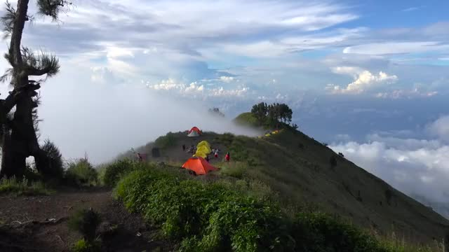 Watch Hiking Mount Rinjani, Indonesia in 4K (Ultra HD) GIF on Gfycat. Discover more mount rinjani, rinjani, trekking GIFs on Gfycat