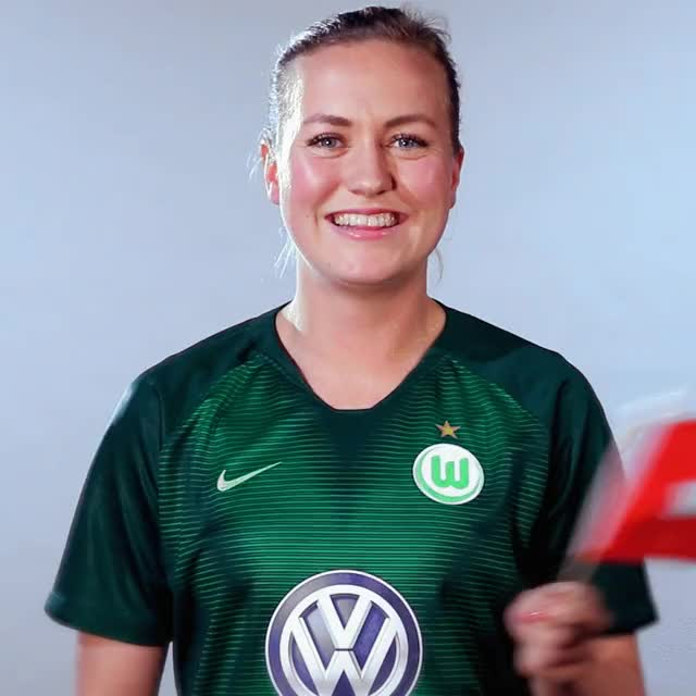 Watch and share 19 Sui Flag GIFs by VfL Wolfsburg on Gfycat