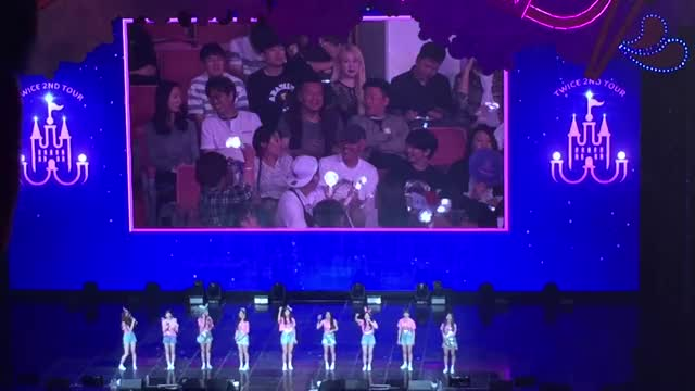 Watch jyp  GIF by Salt (@whysosalt) on Gfycat. Discover more 180520, encore, ending messages, fantasy park, twice, twiceland, zone 2 GIFs on Gfycat