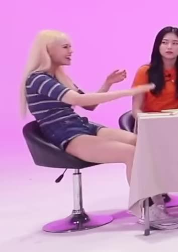 Watch and share Jinsoul GIFs and Beauty GIFs by Mecha熊 ✔️  on Gfycat