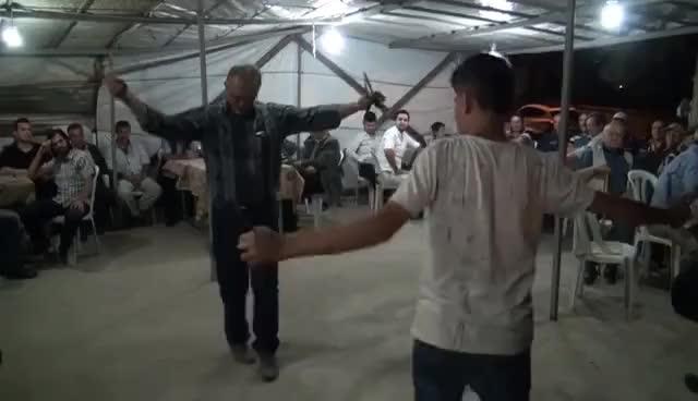 Watch and share Baba Oğul Mükemmel Oynuyorlar GIFs on Gfycat
