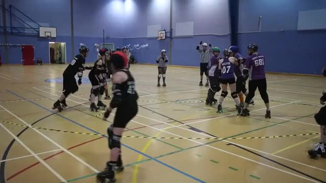 Watch and share Roller Derby GIFs and Sam Skipsey GIFs by v11che on Gfycat