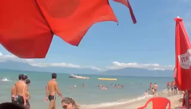 Watch and share Meu Mundo Minha Vida -  Praia Trânsito E Vômito GIFs on Gfycat