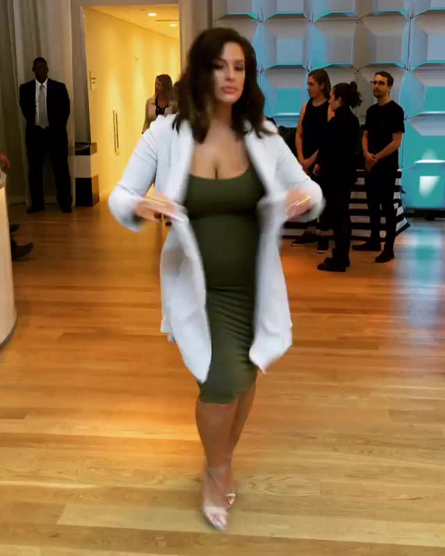 Ashley Graham, ashley_graham, ashleygraham, Ashley Graham green dress GIFs