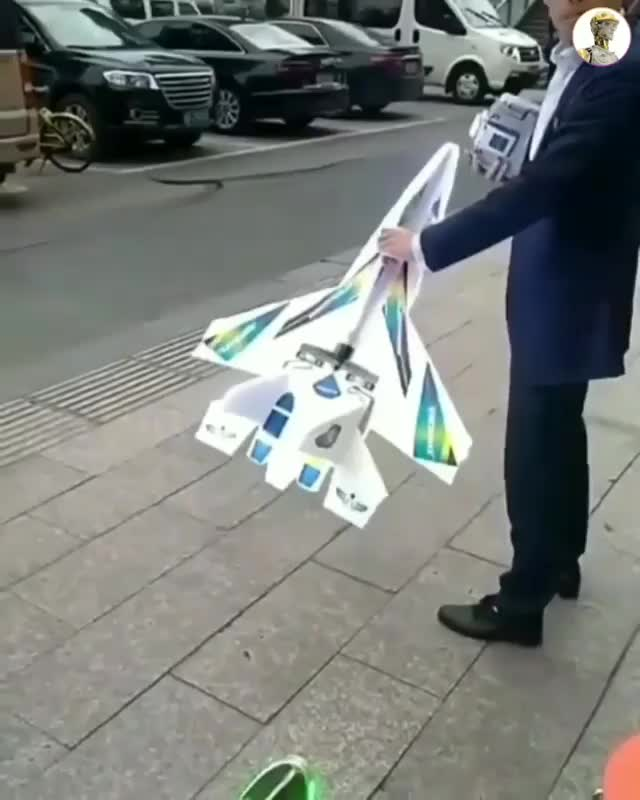 Watch Street vendor selling RC plane in China for 50$ - GIF by Jackson3OH3 (@jackson3oh3) on Gfycat. Discover more related GIFs on Gfycat