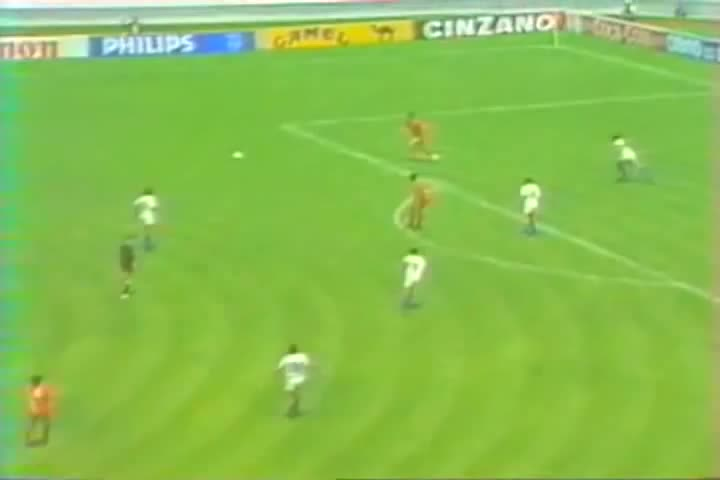 Soon Ho Choi, 최순호, Soon Ho Choi(최순호) vs ITALY in 1986 Worldcup GIFs