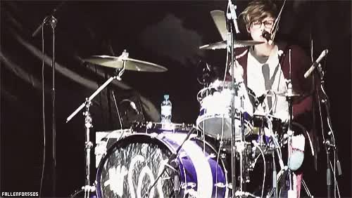 Watch original GIF on Gfycat. Discover more 5sos, 5sos official, ai, ch, fetus 5sos, lh, mc, tmht GIFs on Gfycat