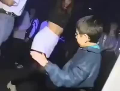 Watch menino dançando em balada GIF on Gfycat. Discover more related GIFs on Gfycat