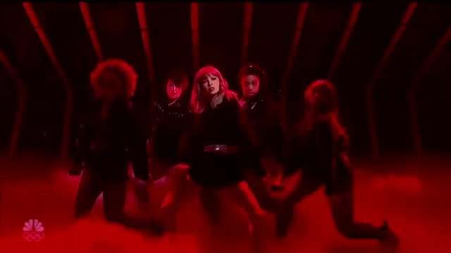 Watch and share Taylor Hips GIFs by reep dingle on Gfycat