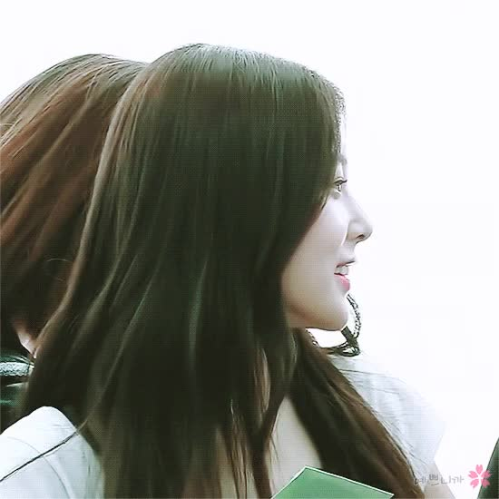 Watch and share 강혜원(へウォン) - 15 GIFs by eanowoo on Gfycat